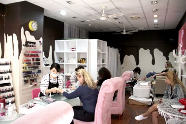 Nail treatment space