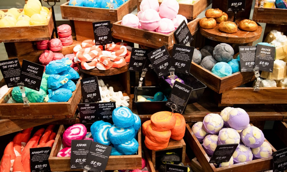 Bath water soaps